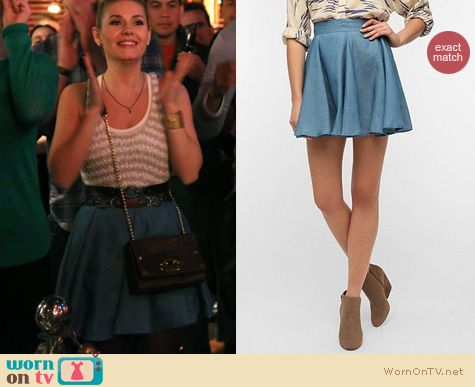 Happy Endings Fashion: Lucca Couture Chambray circle skirt from Urban Outfitters worn by Elisha Cuthbert