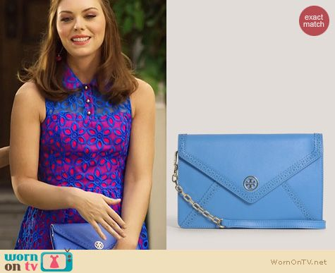 Hart of Dixie Bags: Tory Burch Robinson Envelope Clutch worn by Kaitlyn Black