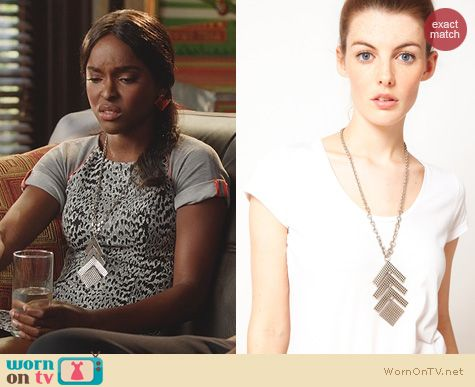 Hart of Dixie Jewelry: Giles & Brother Link Pendant In Silver Oxide worn by Antoinette Robertson