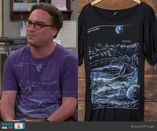 Heavy Rotation Moon Landing Tee worn by Johnny Galecki on The Big Bang Theory