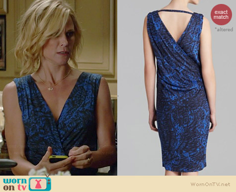 Helmut Lang Resid Print Jersey Dress worn by Julie Bowen on Modern Family