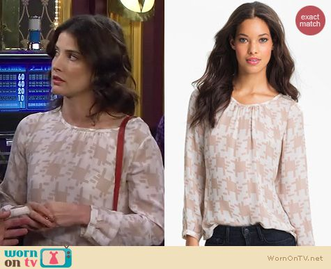 HIMYM Fashion: Joie Robinson top worn by Cobie Smulders