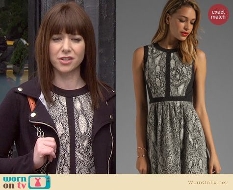 HIMYM Fashion: Rebecca Taylor Python Fit and Flare dress worn by Alyson Hannigan