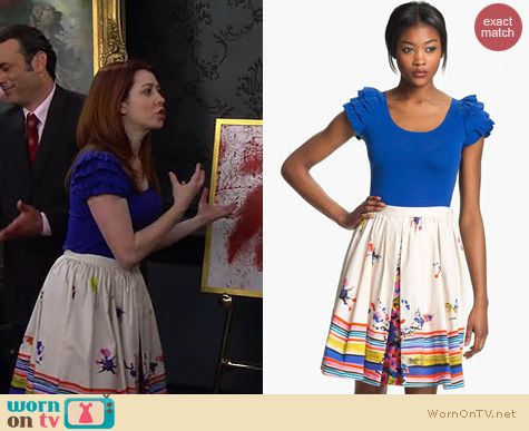 HIMYM Fashion: RED Valentino Bouquet print skirt and ruffle sleeve top worn by Alyson Hannigan