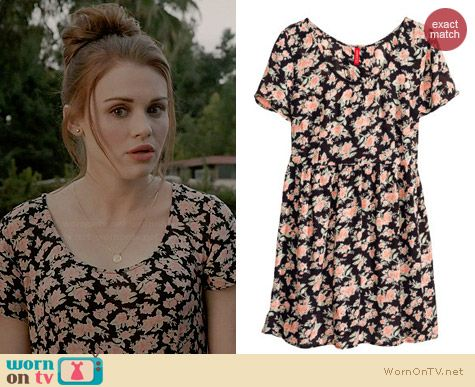 H&M Crinkled Dress in Floral worn by Holland Roden on Teen Wolf