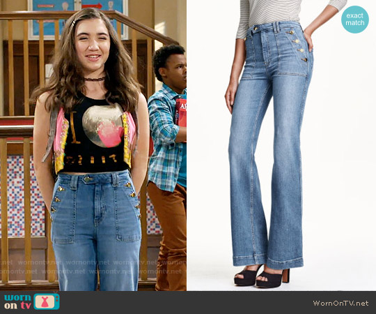 H&M Flared High Jeans in Light Denim Blue worn by Riley Matthews on Girl Meets World