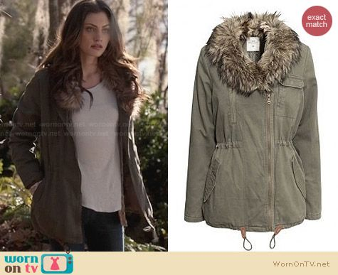 H&M Fur Collar Parka worn by Phoebe Tonkin on The Originals