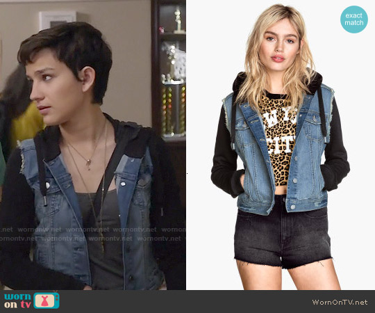 H&M Hooded Denim Jacket worn by Bex Taylor-Klaus on Scream