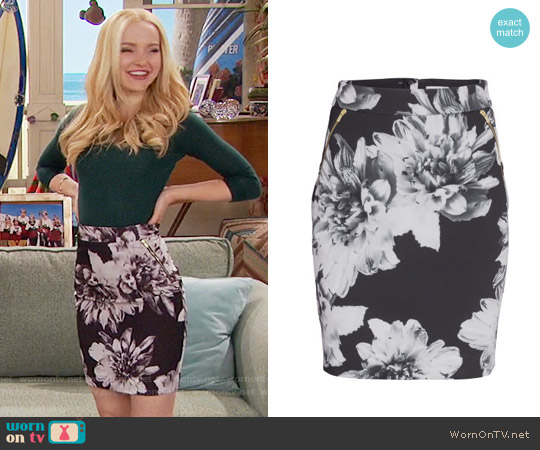 H&M Patterned Pencil Skirt in Black Floral worn by Dove Cameron on Liv & Maddie
