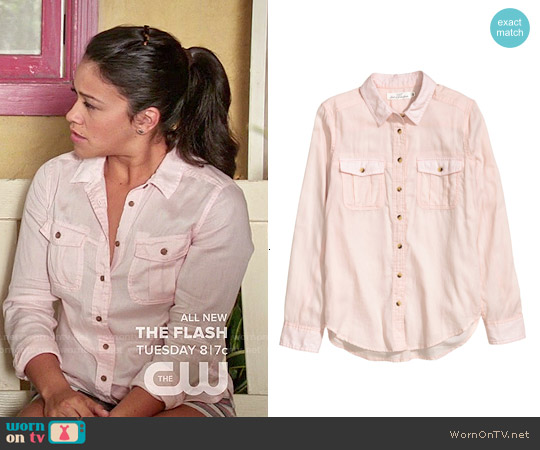 H&M Powder Pink Cotton Shirt worn by Gina Rodriguez on Jane the Virgin