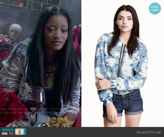 H&M Quilted Jacket in Denim Blue / Acid worn by Keke Palmer on Scream Queens