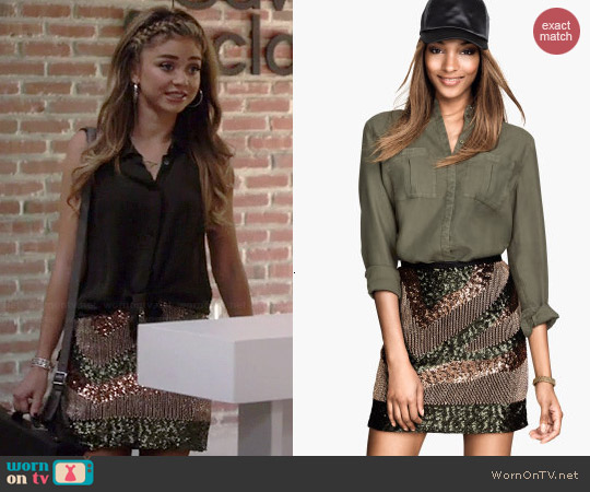H&M Sequined Skirt worn by Sarah Hyland on Modern Family
