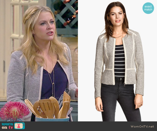 H&M Short Jacket worn by Melissa Joan Hart on Melissa & Joey