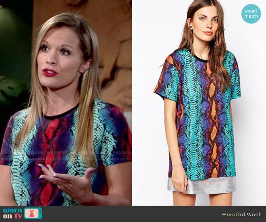 House of Holland Snake Print Oversized T-shirt worn by Melissa Claire Egan on The Young & the Restless