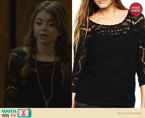 i jeans by Buffalo Callas Crochet Sweater worn by Sarah Hyland on Modern Family