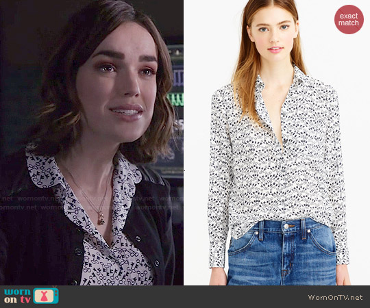 J. Crew Classic Silk Blouse in Key Print worn by Elizabeth Henstridge on Agents of SHIELD