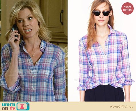 J. Crew Crinkle Boy Shirt in Orchid Plaid worn by Julie Bowen on Modern Family