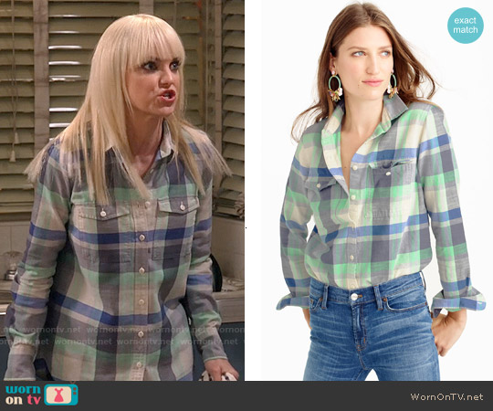 J. Crew Flannel Boyfriend Shirt in Pacey Plaid worn by Anna Faris on Mom