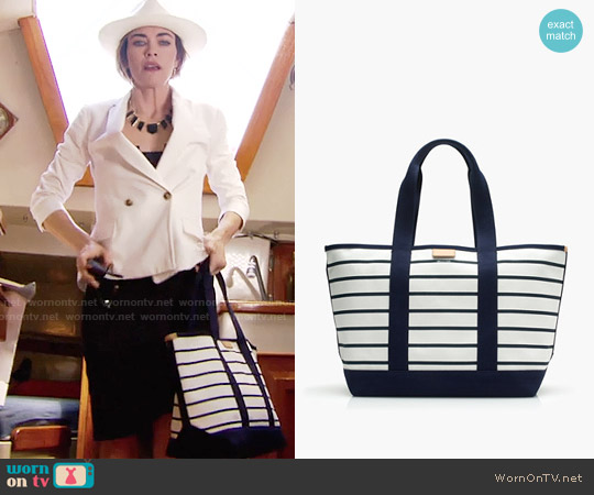 J. Crew Surfside Canvas Tote in Stripe worn by Amelia Heinle on The Young & the Restless