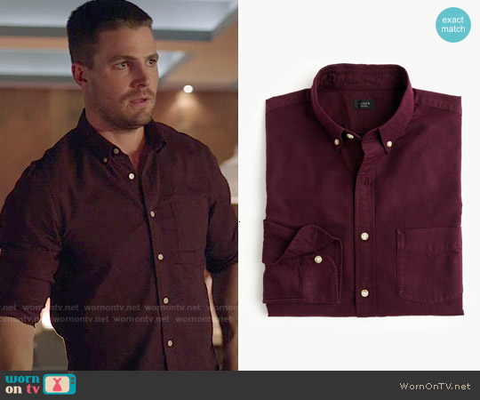 J. Crew Vintage Oxford Shirt in Tonal Cotton in Dark Burgundy worn by Stephen Amell on Arrow