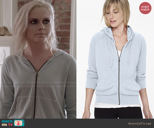 James Perse Vintage Fleece Long Sleeve Hoodie in Open Sky Pigment worn by Rose McIver on iZombie