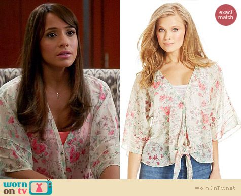 Jessica Simpson Martina Blouse in Antique White Coachella worn by Dania Ramirez on Devious Maids