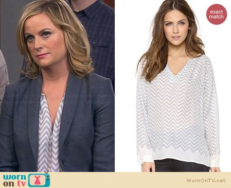 Joie Agnella Blouse in Silverfox worn by Amy Poehler on Parks & Rec