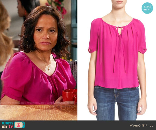Joie Berkeley Top in Freesia worn by Judy Reyes on Devious Maids