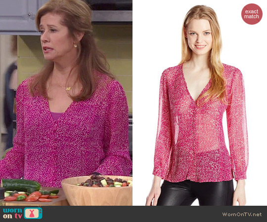 Joie Calvina Blouse worn by Nancy Travis on Last Man Standing