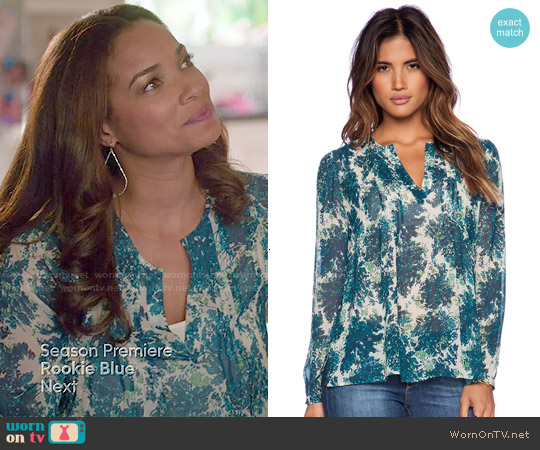 Joie Cantoria Blouse in Lagoon worn by Rochelle Aytes on Mistresses