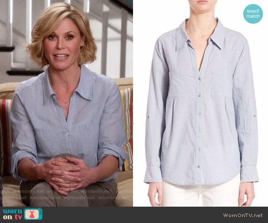 Joie Cartel Shirt in Chambray worn by Julie Bowen on Modern Family