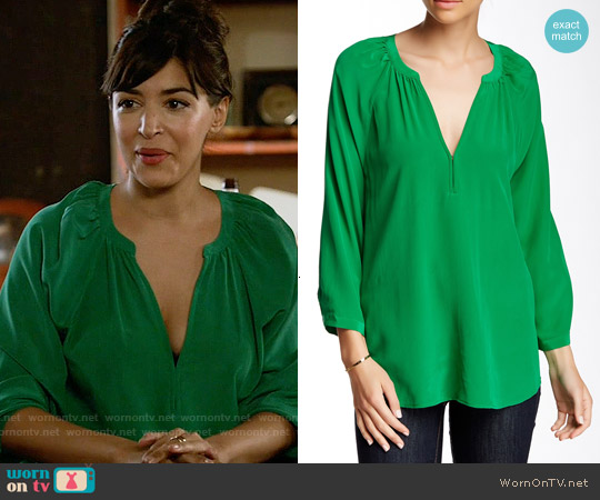 Joie Indarra Blouse in Jungle Green worn by Hannah Simone on New Girl