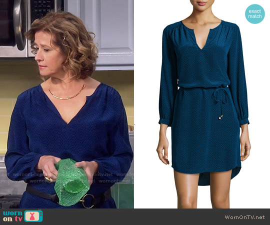 Joie Ksora Dress in Starry Night worn by Nancy Travis on Last Man Standing