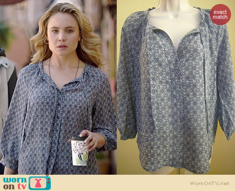 Joie Madera Blouse in Blue worn by Leah Pipes on The Originals