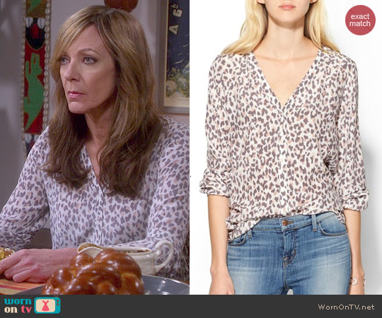 Joie Michi Leopard Blouse worn by Allison Janney on Mom