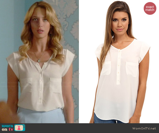 Joie Nicoline Blouse in Porcelain worn by Yael Grobglas on Jane the Virgin