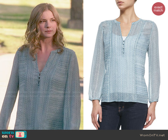 Joie Parmena Blouse in Pale Ocean worn by Emily VanCamp on Revenge