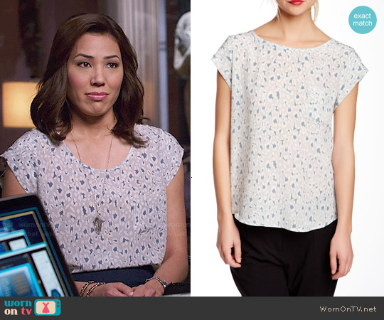 Joie Rancher Top in Silver Fox worn by Michaela Conlin on Bones
