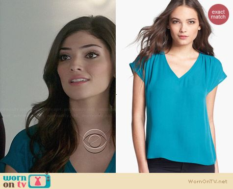 Joie Suela Top in Gem worn by Amanda Setton on The Crazy Ones