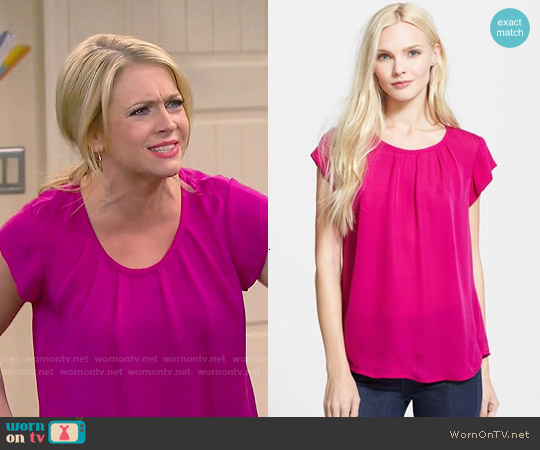 Joie Tristabelle Top in Pink worn by Melissa Joan Hart on Melissa & Joey
