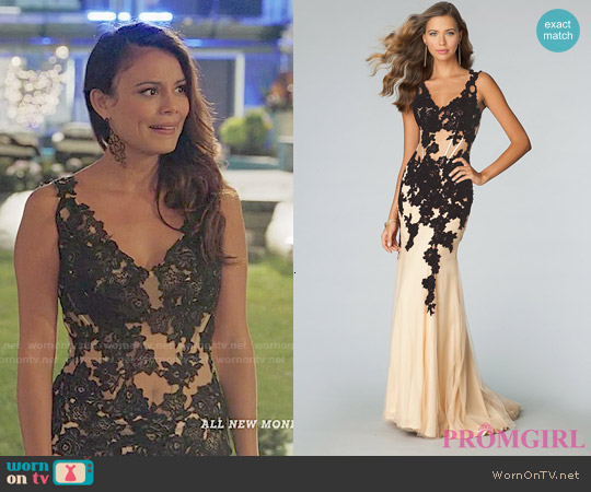 worn by Grace (Nathalie Kelley) on UnReal