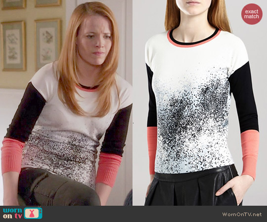worn by Daphne Vasquez (Katie Leclerc) on Switched at Birth