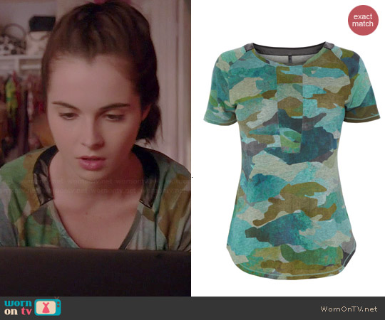 Karen Millen Camouflague T-shirt worn by Vanessa Marano on Switched at Birth