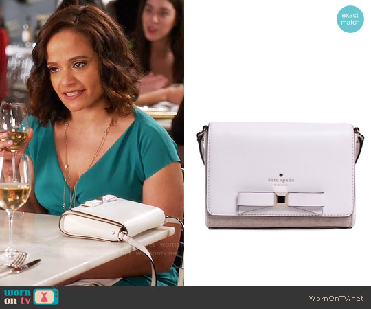 Kate Spade Holly Street Rubie Crossbody Bag worn by Zoila Diaz on Devious Maids