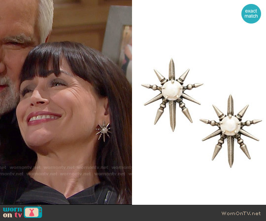 Kendra Scott Rogan Pearl Stud Earrings worn by Quinn Fuller on The Bold & the Beautiful