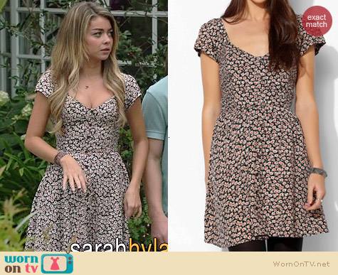 Kimchi Blue Betty Smocked Fit Dress worn by Sarah Hyland on Modern Family