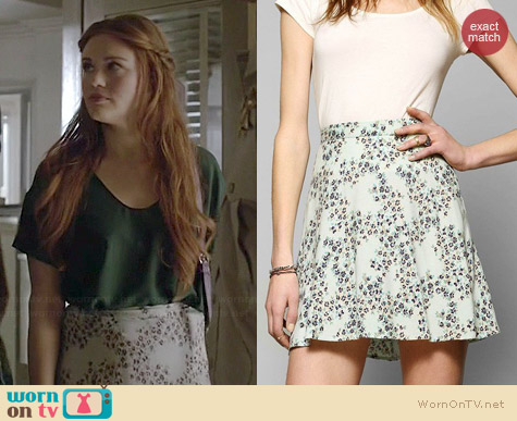 Kimchi Blue Printed Classic Skater Skirt worn by Holland Roden on Teen Wolf