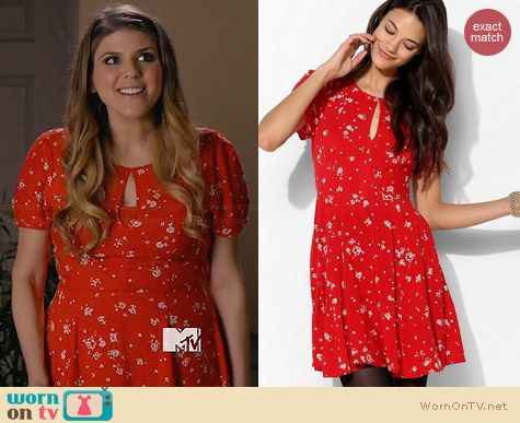 Kimchi Blue Ruby Keyhole Dress worn by Molly Tarlov on Awkward