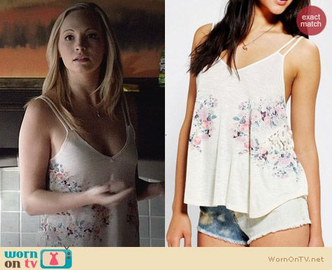 Kimchi Blue Seanky Peek Cami worn by Candice Accola on The Vampire Diaries