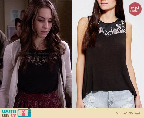 Kimchi Blue Summer Breeze Tank Top worn by Troian Bellisario on PLL
